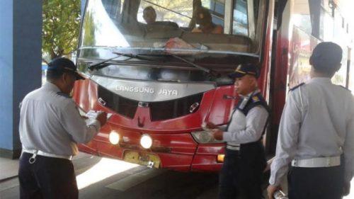 kemenhub melakukan check ramp bus bus di terminal tirtonadi 20180503 095011