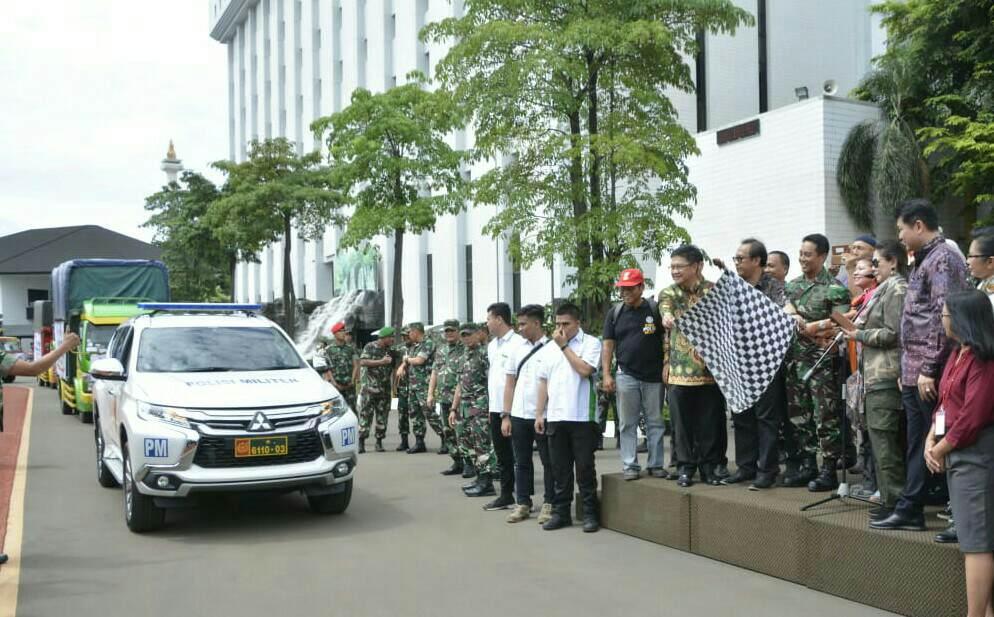 Jenderal Andika Perkasa Lepas 28 Truk Bantuan Logistik dari