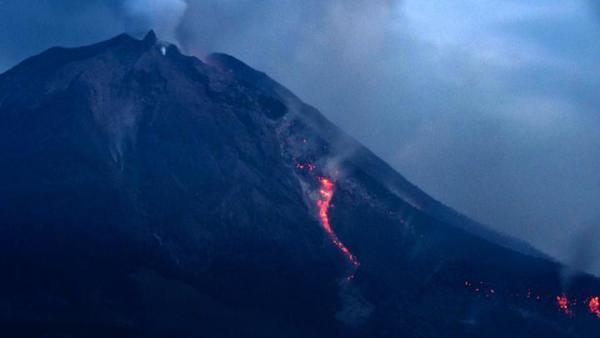 lava pijar gunung agung