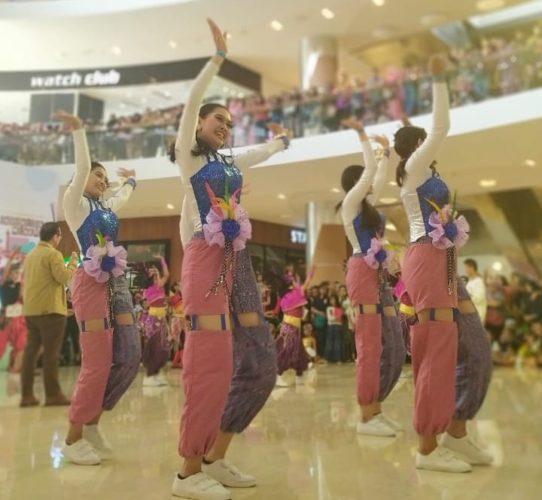 171119indonesia menari