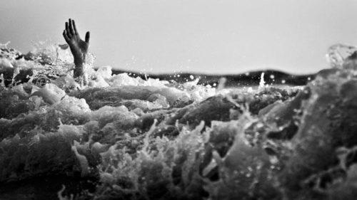 4 Orang Hilang Saat Kapal Nelayan Terbalik di Teluk Jakarta
