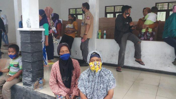 kisah pengungsi di barak glagaharjo partinah harapkan merapi tetap aman