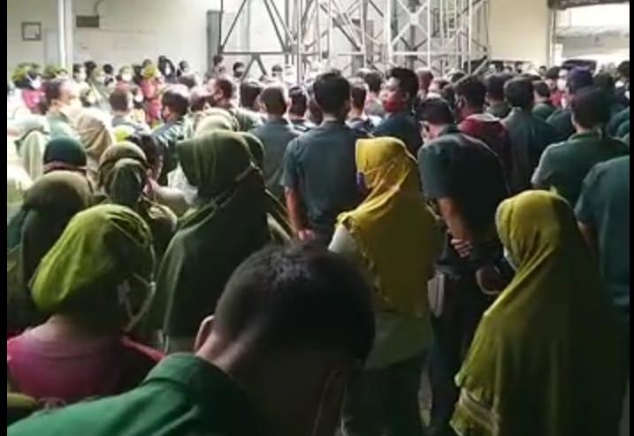 Ratusan Karyawan Pabrik Teh Gunung Subur Karanganyar Demo ...