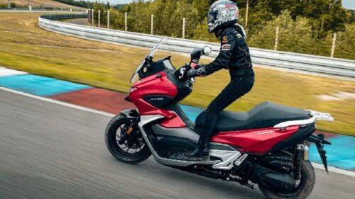 Mirip Honda ADV 150, Skuter Matik Cina Ini Dilengkapi Kamera Depan Belakang