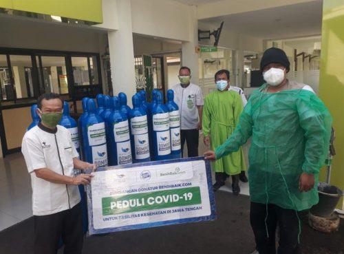 Bantu Atasi Kelangkaan, BenihBaik.com Salurkan Tabung Oksigen untuk Pasien Covid di Jepara dan Kudus