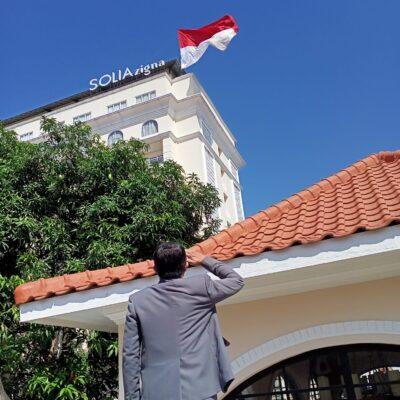Solia Zigna Kampung Batik Kibarkan Bendera Merah Putih Raksasa