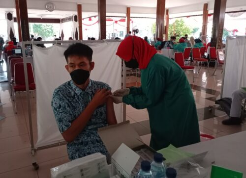 Semua Akan Vaksin Pada Waktunya, Tenang Slur Tinggal Nunggu Giliran