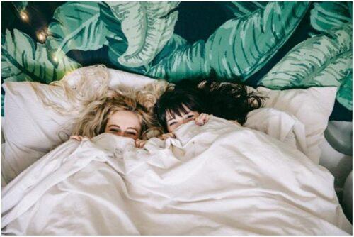 7 Rekomendasi Sprei Terbaik, Bikin Tidur Makin Nyaman dan Berkualitas!