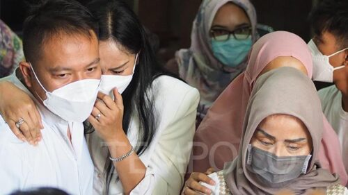 Vicky Prasetyo Divonis Empat Bulan Penjara dalam Kasus Pencemaran Nama Baik, Kalina Ocktaranny Menangis
